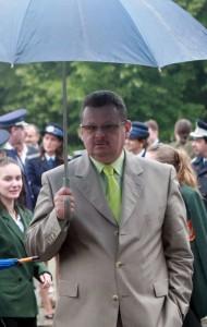 alexandru chirila cu umbrela