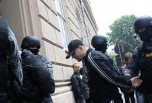 """Sorin Udrea şi ceilalţi reţinuţi, duşi la arestare. Ce spune avocatul """"stăpânului oraşului"""" GALERIE FOTO UPDATE 6 Cine a fost arestat"""