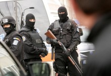 Un polițist de frontieră, un vameș și șase contrabandiști, ridicați într-o operațiune a DGA și a Parchetului. Vezi cât este prejudiciul