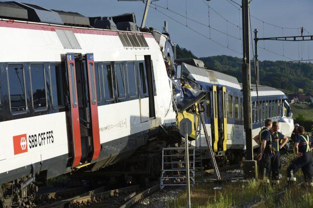 Image: Train collision in Western Switzerland