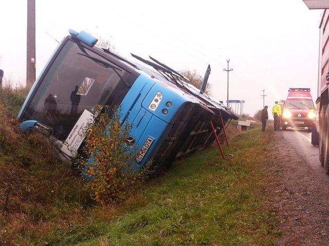 accident autocar rasturnat hd