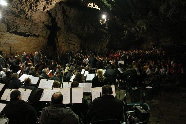 concert la pestera romanesti 2011 009