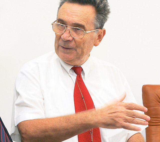 Institutul de fizica pamantului - Director Gheorghe Marmureanu