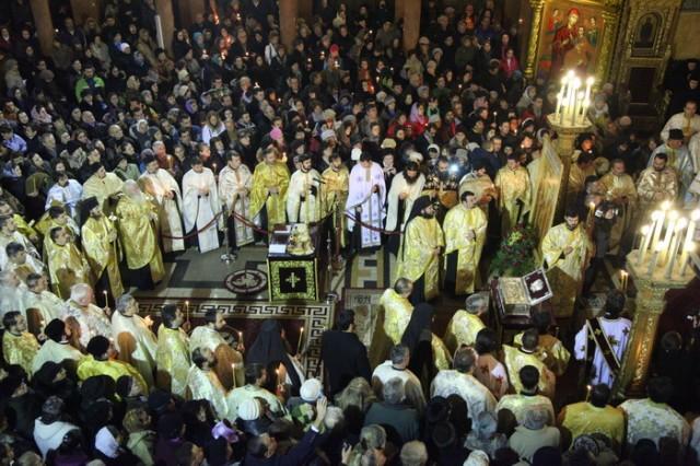 Racla cu moastele Sfintilor Imparati Constantin si Elena la Timisoara05_resize