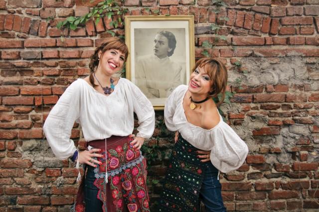 Fata Care Gateste Cu Flori_Romana Rista_Seara de Bucate_foto Luminita Popescu (2)
