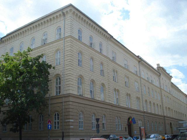 palatul-dicasterial-large