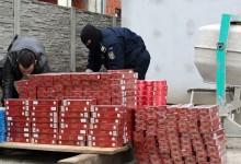 Liderul unei grupări de contrabandişti de ţigări, prins în flagrant de Poliţia de Frontieră. Vezi câte ţigări avea ascunse în microbuz UPDATE 2 Ce se mai investighează VIDEO