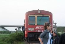 Mașină DISTRUSĂ de tren la 20 de kilometri de Timișoara. În ce stare este șoferul