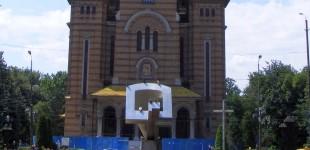 Despre Monumente şi Eroi (I). Povestea monumentelor din Timișoara dedicate Revoluției din 1989. Reprezentări ale Sfintei Cruci FOTO