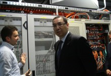 Ce promisiuni a făcut premierul Victor Ponta firmelor care vor menţine locurile de muncă