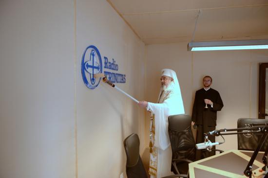patriarhul-daniel-a-sfintit-cu-trafaletul-antena3