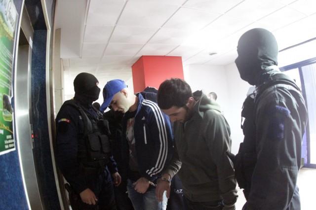 suspecti carduri 9