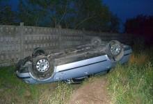 Accidente trase la indigo, în aceeași zi. S-au dat cu mașina peste cap, dar au scăpat ca prin minune