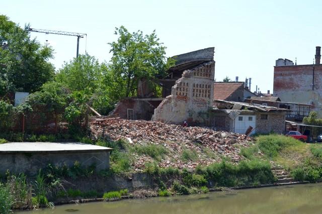 ruine in cartierul fabric