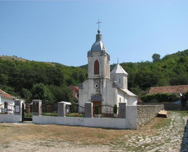 bazias_biserica_manastirii