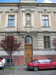 casa invatatorilor
