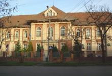 Terenul ultra-central aflat peste drum de Primăria Timișoara, aproape de a fi vândut. Unde se va muta Inspectoratul Școlar Timiș