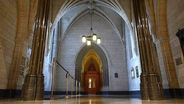 Ottawa_libraria parlamentului canada