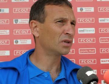 FC Olt se prezintă la Timișoara cu antrenorul principal în tribună. Ce probleme de lot au slătinenii