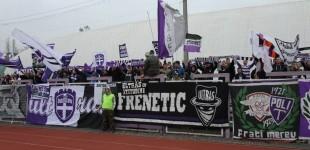 VIDEO SUSȚINERE pentru echipele locale. Timișorenii au avut galerie în weekend la handbal, baschet și Liga a IV-a la fotbal