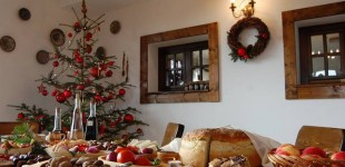 MASA DE CRĂCIUN: Cât costă meniul de sărbători. Produsele tradiţionale măresc de trei-patru ori costul