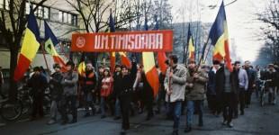 19 Decembrie 1989 Muncitorii din fabricile timișorene se REVOLTĂ: lupte de stradă la Elba și Electrotimiș. Cum a răspuns armata FOTO