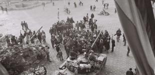 """18 Decembrie 1989 Timișoara, sub ASEDIU militar, protestatarii REZISTĂ: """"""""Nu plecăm acasă, morţii nu ne lasă"""". Cum au fost sustrase cadavrele eroilor"""