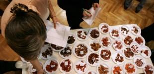 Cei mai gustoşi cârnaţi bănăţeni se întrec într-un concurs gastronomic la Timişoara. Unde îi puteţi degusta