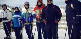 Șeful TSD Timiș, consilierul local Alfred Simonis, fotografie la schi cu interlopii Boncu și Tarzan. Vezi explicația directorului adjunct de la aeroportul Timișoara