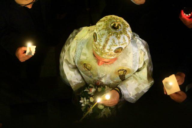 SLUJBA DE INVIERE 2015 05 lumina sfântă