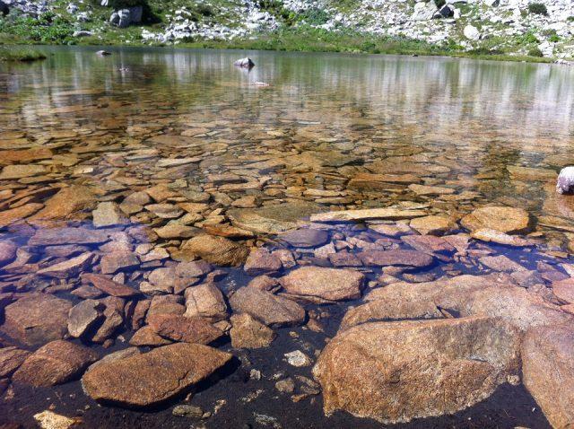 lacul pietrele