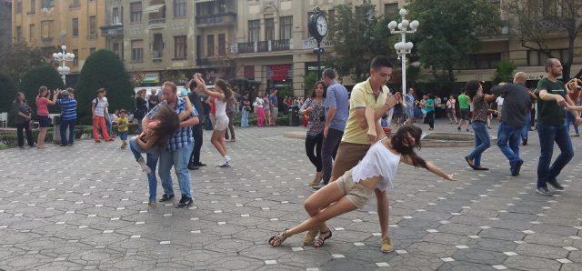 flashmob west coast swing