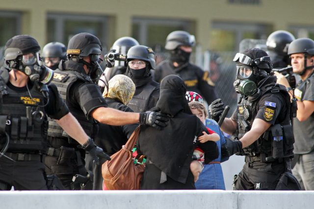 migranti refugiati roszke ungaria serbia granita (6)