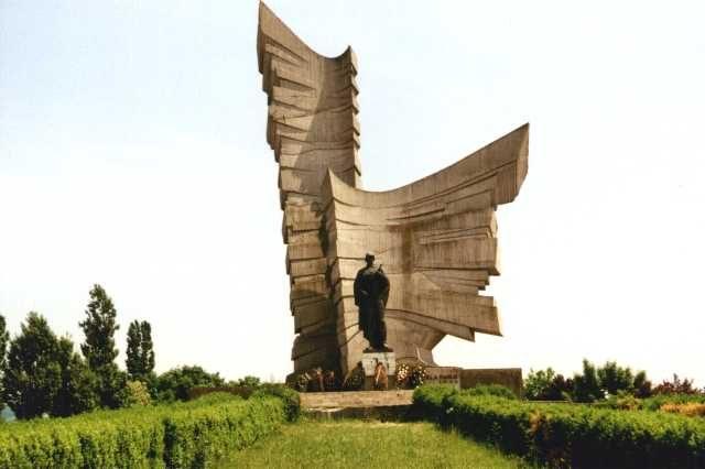 monumentul_eroilor_de_la_paulis