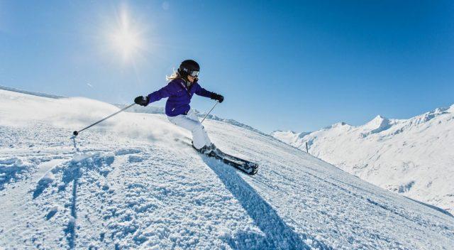 startseite-oetztal-skifahren-paar,method=scale,prop=data,id=1636-900