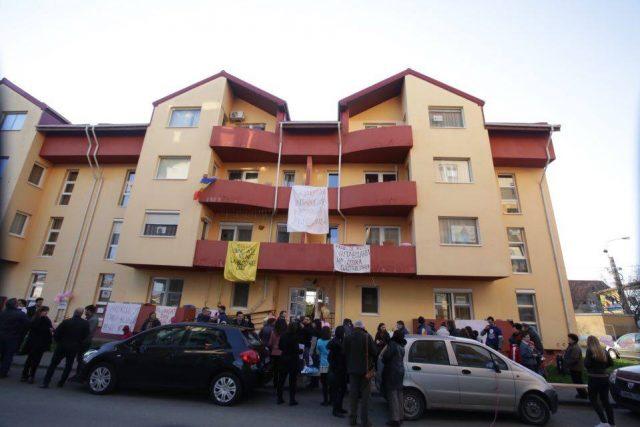 protest petrecere blocuri anl (8)