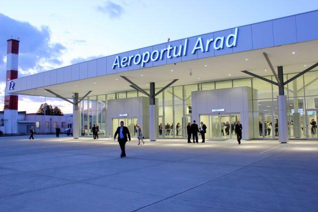 terminalul plecari Aeroportul Arad