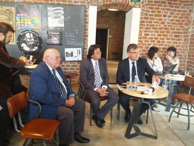Dezbatere privind modul de finantare al proiectelor culturale ale ONG-urilor.