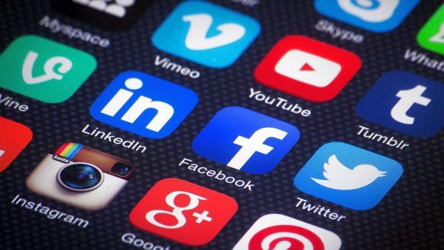 social-media-mobile-aplicatii