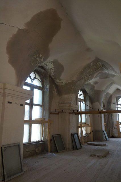 Sala Cavalerilor din castelul Huniade / Muzeul Banatului, distrusă