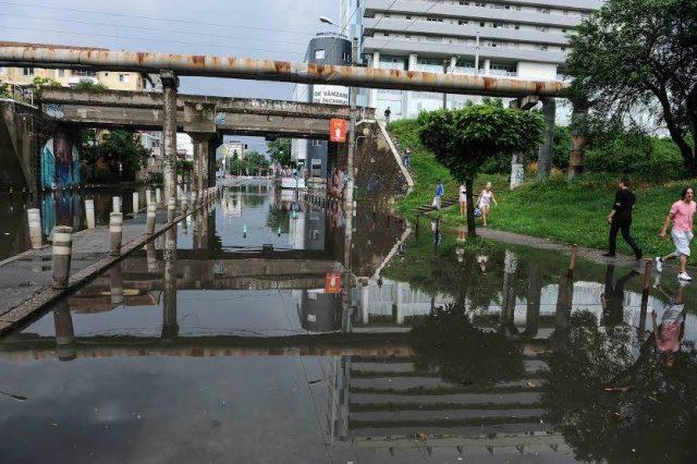 apa dupa ploaie viaduct
