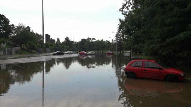 Zona Stadionului Dan Paltinisanu inundata