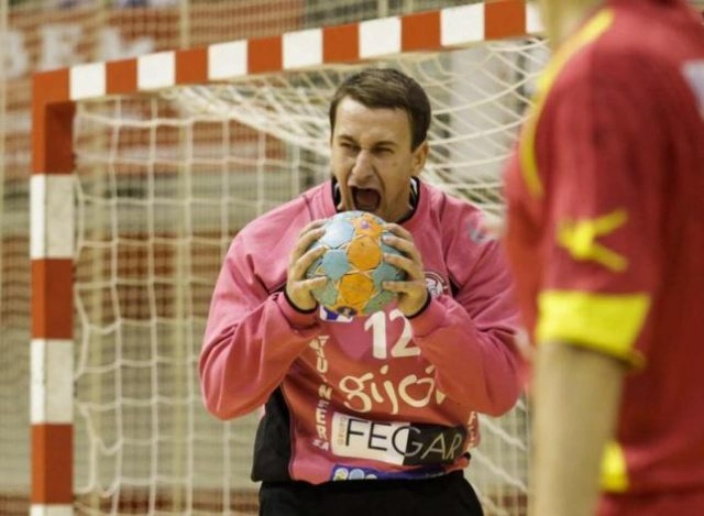 Adam Savic, noul portar al lui SCM Politehnica. Foto: lne.es