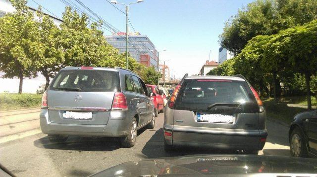 aglomeratie masini trafic