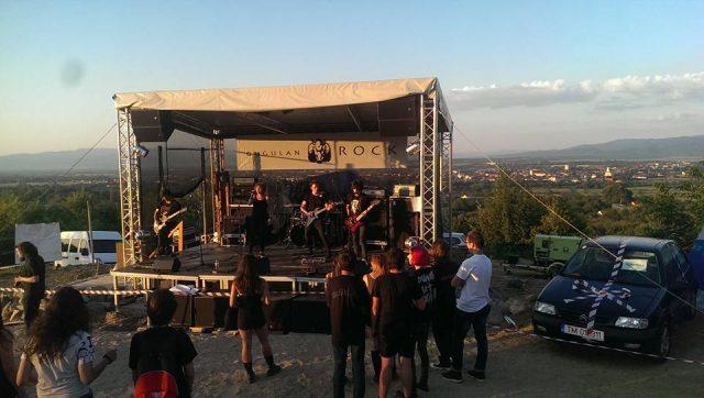 Festivalul Gugulan Rock a avut loc într-un decor mirific pe platoul Cepelca, din Caransebeş