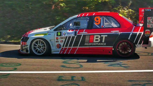 Bogdan Cuzma pe mașina sa, Mitsubishi Lancer EVO IX. Foto: Dragoș Ionel Popescu / Facebook
