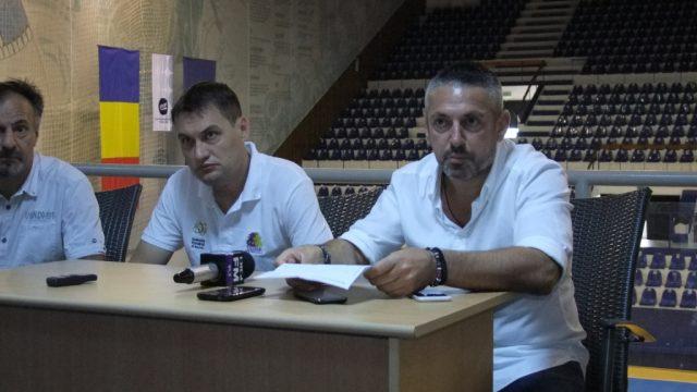 Ilie Trițoiu, foto dreapta, managerul sportiv al lui BC SCM Timișoara