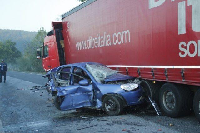 moldovean-mort-in-germania-masina-in-care-se-afla-a-fost-lovita-de-un-tir-1447329186