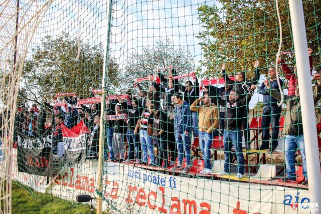 Suporteri UTA. Foto: uta-arad.ro