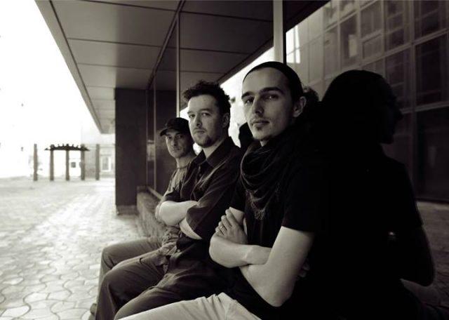 Concertul aniversar al trupei Sebastian Spanache Trio va avea loc a cafeneaua D'arc,